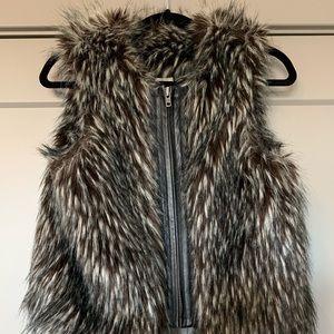 Nordstorm faux fur vest - Small